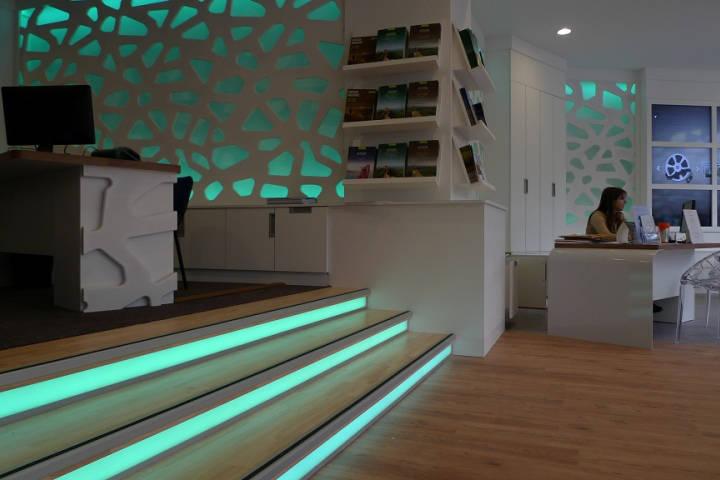 agencement d 39 une agence de voyages toulouse aranda mas. Black Bedroom Furniture Sets. Home Design Ideas