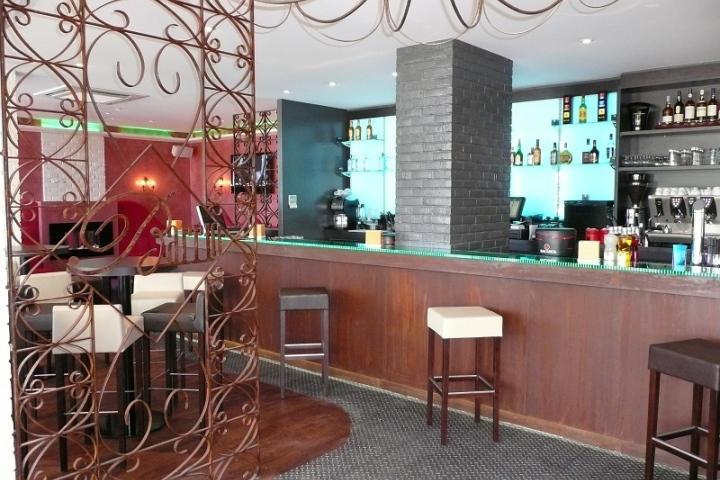 comptoir lumineux pour un restaurant jazzy capbreton aranda mas. Black Bedroom Furniture Sets. Home Design Ideas